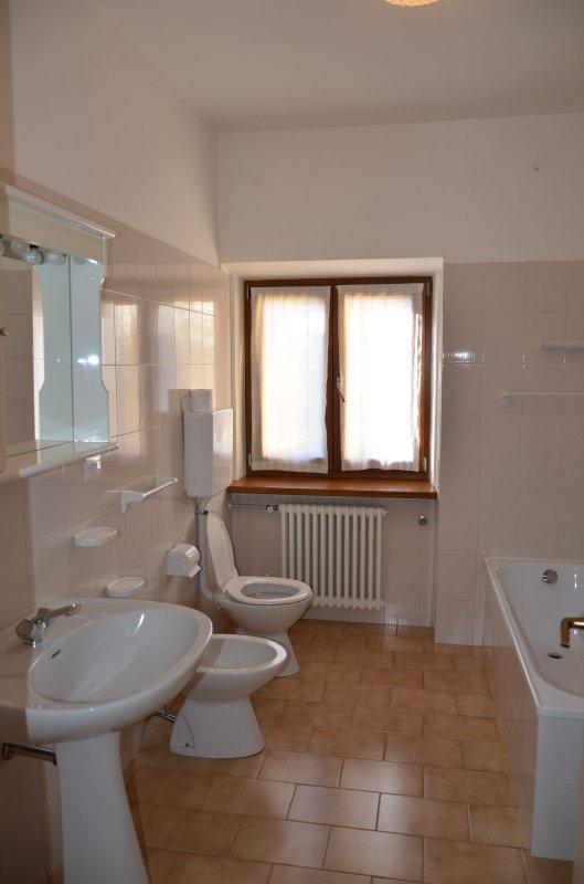 Imagine despre casa caritro