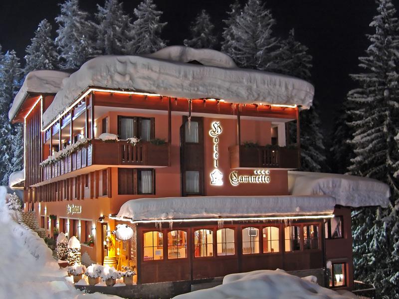 Imagine despre hotel caminetto