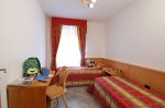 Imagine despre camera family hotel sasso rosso